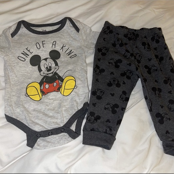 Disney Baby 6-9M Outfit